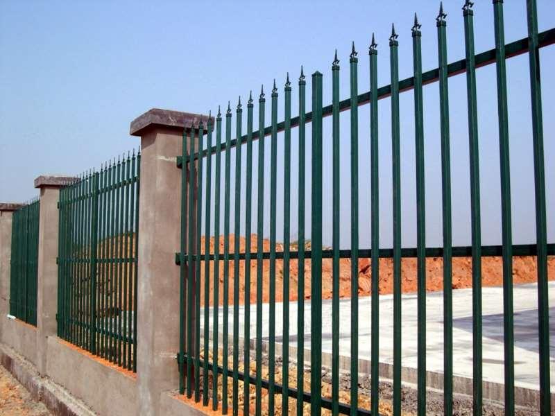 锌钢护栏网具哪些优势呢?